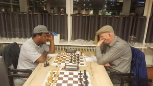 Hat to hat: John Janssen speelt knap remise tegen Cander Flanders
